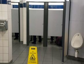 public_toilet2